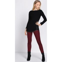 Czarno-Bordowe Spodnie Go Through. Czarne spodnie materiałowe damskie Born2be, z materiału. Za 49.99 zł.