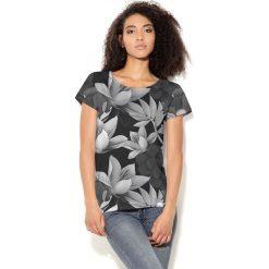 Colour Pleasure Koszulka CP-034  175 czarno-biała r. XL/XXL. Bluzki damskie Colour Pleasure. Za 70.35 zł.