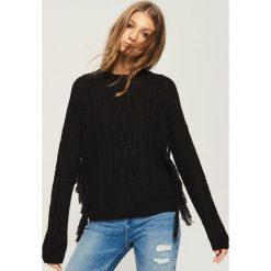 Sweter z frędzlami - Czarny. Czarne swetry damskie Sinsay. Za 59.99 zł.
