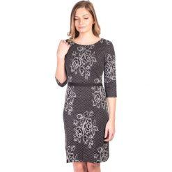 Sukienka srebrna w róże QUIOSQUE. Czarne sukienki damskie QUIOSQUE, z dzianiny, vintage. W wyprzedaży za 36.00 zł.