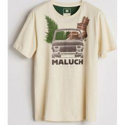 Bawełniany T-shirt z nadrukiem - Kremowy. Białe t-shirty męskie Reserved, z nadrukiem, z bawełny. Za 39.99 zł.