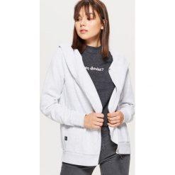 Rozpinana bluza z asymetrycznym zamkiem - Jasny szary. Szare bluzy damskie Cropp. Za 79.99 zł.