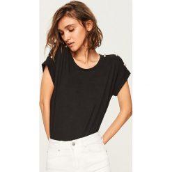 T-shirt z koralikami - Czarny. Czarne t-shirty damskie Reserved. Za 39.99 zł.