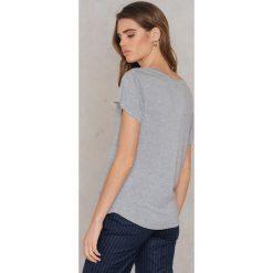Rut&Circle T-shirt V Alina - Grey. Szare t-shirty damskie Rut&Circle, z elastanu. Za 64.95 zł.