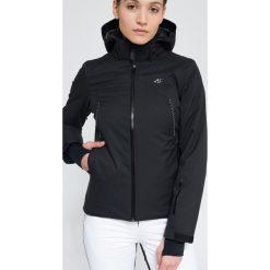 Kurtka narciarska damska KUDN154Z - czarny. Czarne kurtki damskie 4f, z materiału. W wyprzedaży za 599.99 zł.