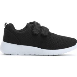 Czarne Buty Sportowe Just For You. Czarne buty sportowe chłopięce Born2be, z materiału. Za 39.99 zł.