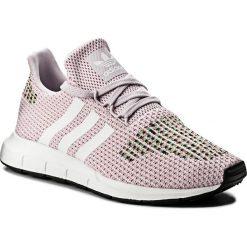 Buty adidas - Swift Run CQ2023 Aerpink/Ftwwht/Cblack. Czerwone obuwie sportowe damskie Adidas, z materiału. W wyprzedaży za 269.00 zł.