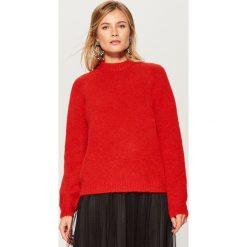 Sweter z wełną - Czerwony. Czerwone swetry damskie Mohito, z wełny. Za 149.99 zł.