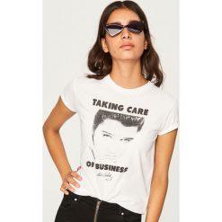 T-shirt Elvis Presley - Biały. Białe t-shirty damskie Reserved. Za 69.99 zł.