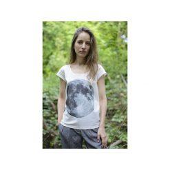 T-shirt full moon/ z organicznej bawełny. Białe t-shirty damskie Siss, z nadrukiem, z bawełny, z klasycznym kołnierzykiem. Za 150.00 zł.