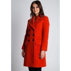 Elegancki płaszcz w kolorze cegły BIALCON. Szare płaszcze damskie BIALCON, na jesień, eleganckie. W wyprzedaży za 390.00 zł.