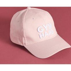 1fffacb6ca8109 Czapka z daszkiem Gym Hard - Różowy. Czapki i kapelusze damskie marki  Sinsay. Za