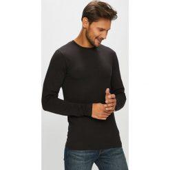 Only & Sons - Longsleeve. Czarne bluzki z długim rękawem męskie Only & Sons, z bawełny, z okrągłym kołnierzem. Za 59.90 zł.
