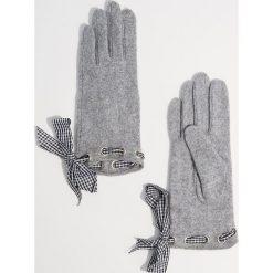 Wełniane rękawiczki - Jasny szar. Szare rękawiczki damskie Mohito, z wełny. Za 49.99 zł.