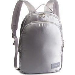 Plecak CALVIN KLEIN JEANS - Satin Sleek Cp 35 K40K400824 910. Szare plecaki damskie Calvin Klein Jeans, z jeansu, sportowe. Za 599.00 zł.