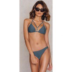 NA-KD Swimwear Dół bikini z metalowym kółeczkiem - Green. Zielone bikini damskie NA-KD Swimwear. W wyprzedaży za 24.38 zł.