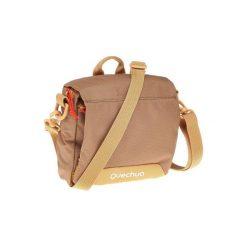 Torebka z licznymi kieszeniami. Brązowe torebki do ręki damskie QUECHUA, w paski, z materiału. Za 39.99 zł.