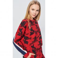 Bluza camo z kolekcji MIX and MATCH - Czerwony. Czerwone bluzy damskie Cropp. Za 89.99 zł.