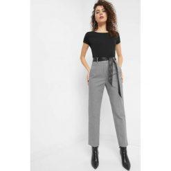 Spodnie w pepitkę z paskiem. Czarne spodnie materiałowe damskie Orsay, z haftami, z bawełny. Za 119.99 zł.
