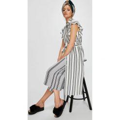 Answear - Sukienka. Szare sukienki damskie ANSWEAR, w paski, z materiału, casualowe, z krótkim rękawem. W wyprzedaży za 99.90 zł.