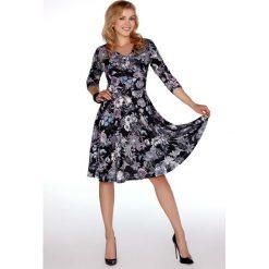 df60c0a56d Eleganckie sukienki midi rozkloszowane - Sukienki damskie - Kolekcja ...