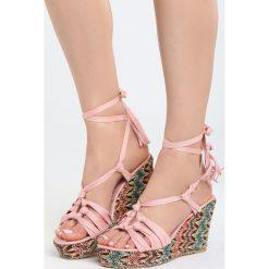 Różowe Sandały Rufous. Sandały damskie marki bonprix. Za 99.99 zł.