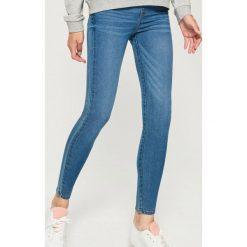 Jegginsy - Niebieski. Niebieskie legginsy damskie Sinsay, z jeansu. Za 49.99 zł.