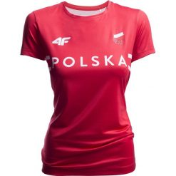 Koszulka funkcyjna damska Polska Pyeongchang 2018 TSDF900 - czerwony wiśniowy. Czerwone t-shirty damskie 4f, z napisami, z dzianiny, z dekoltem na plecach. Za 99.99 zł.