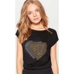 Koszulka z dżetami - Czarny. Czarne bluzki damskie Mohito. Za 39.99 zł.