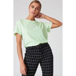 NA-KD Basic T-shirt oversize - Green. Zielone t-shirty damskie NA-KD Basic, z bawełny. W wyprzedaży za 26.48 zł.