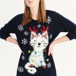 Sweter z puszystym kotem - Granatowy. Niebieskie swetry damskie Sinsay. Za 99.99 zł.