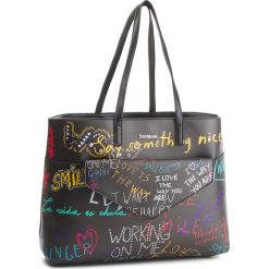Torebka DESIGUAL - 18WAXPCZ 2000. Czarne torebki do ręki damskie Desigual, ze skóry ekologicznej. W wyprzedaży za 249.00 zł.