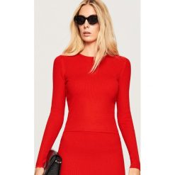 Dopasowany sweter - Czerwony. Czerwone swetry damskie Reserved. Za 59.99 zł.