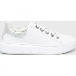 Guess Jeans - Buty. Szare obuwie sportowe damskie Guess Jeans, z aplikacjami, z gumy. Za 579.90 zł.