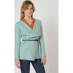 Sweter w kolorze miętowym. Niebieskie swetry damskie TrakaBarraka. W wyprzedaży za 109.95 zł.