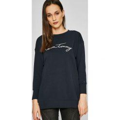 Tommy Hilfiger - Bluza. Czarne bluzy damskie Tommy Hilfiger, z aplikacjami, z bawełny. W wyprzedaży za 329.90 zł.