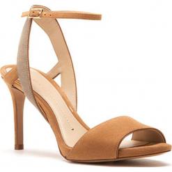 Skórzane sandały w kolorze jasnobrązowym. Brązowe sandały damskie Stella Luna, w paski, ze skóry. W wyprzedaży za 545.95 zł.