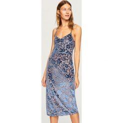 Sukienka z tkaniny devore - Niebieski. Niebieskie sukienki damskie Reserved, z tkaniny. W wyprzedaży za 59.99 zł.