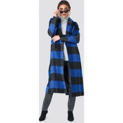 NA-KD Dwurzędowy płaszcz w kratkę - Blue. Niebieskie płaszcze damskie NA-KD, w kratkę. Za 323.95 zł.