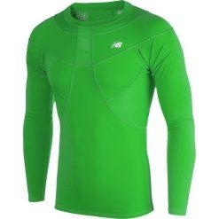Koszulka kompresyjna - MT710136FN. Zielone koszulki sportowe męskie New Balance, na jesień, z materiału. W wyprzedaży za 149.99 zł.