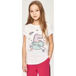 T-shirt z dinozaurem - Biały. T-shirty damskie marki bonprix. W wyprzedaży za 14.99 zł.