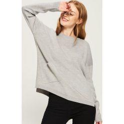 Sweter z kieszeniami - Jasny szar. Szare swetry damskie Sinsay. Za 59.99 zł.