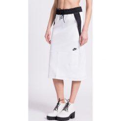 Nike Sportswear - Spódnica. Szare spódnice damskie Nike Sportswear, z bawełny. W wyprzedaży za 179.90 zł.