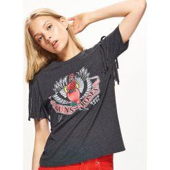 Koszulka z nadrukiem GUNS N' ROSES - Szary. T-shirty damskie marki DOMYOS. W wyprzedaży za 19.99 zł.