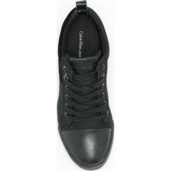 Calvin Klein Jeans - Trampki Rory. Czarne trampki i tenisówki damskie Calvin Klein Jeans, z gumy. W wyprzedaży za 299.90 zł.