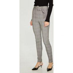 Guess Jeans - Spodnie Charline. Szare spodnie materiałowe damskie Guess Jeans. Za 399.90 zł.