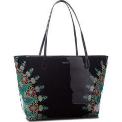Torebka DESIGUAL - 18WAXO02 2000. Czarne torebki do ręki damskie Desigual, ze skóry ekologicznej. W wyprzedaży za 249.00 zł.