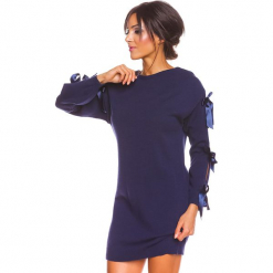 """Sukienka """"Mona"""" w kolorze granatowym. Niebieskie sukienki damskie So Cachemire, z kaszmiru, ze sznurowanym dekoltem. W wyprzedaży za 173.95 zł."""