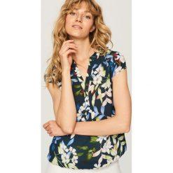 Koszula w kwiaty - Granatowy. Niebieskie koszule damskie Reserved, w kwiaty. W wyprzedaży za 59.99 zł.