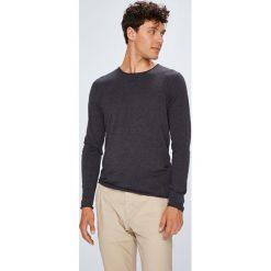 Selected - Sweter. Czarne swetry przez głowę męskie Selected, z bawełny, z okrągłym kołnierzem. W wyprzedaży za 129.90 zł.